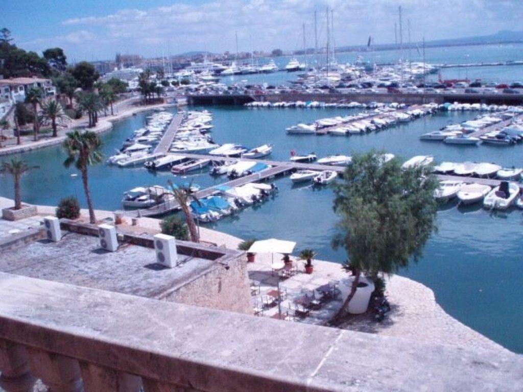 For rent first line sea views apartment in Palma de Mallorca – Paseo Marítimo