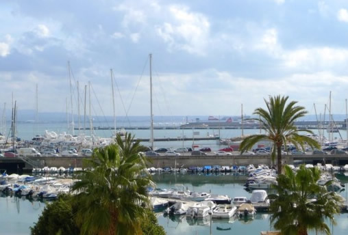 For rent first line sea views apartment in Palma de Mallorca – Paseo Maritimo