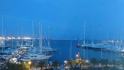 Apartamento en primera línea con impresionantes vistas en alquiler en el Paseo Marítimo de Palma