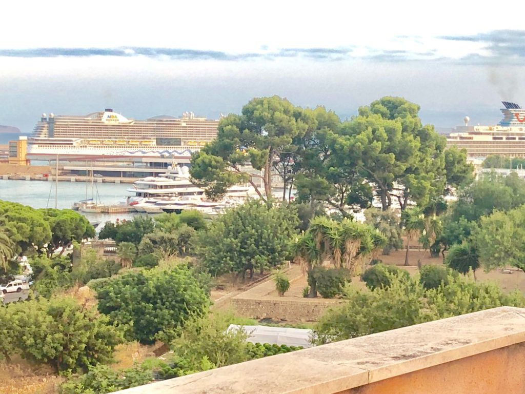 Penthouse For Rent El Terreno – 2 mins walk to Paseo Maritimo