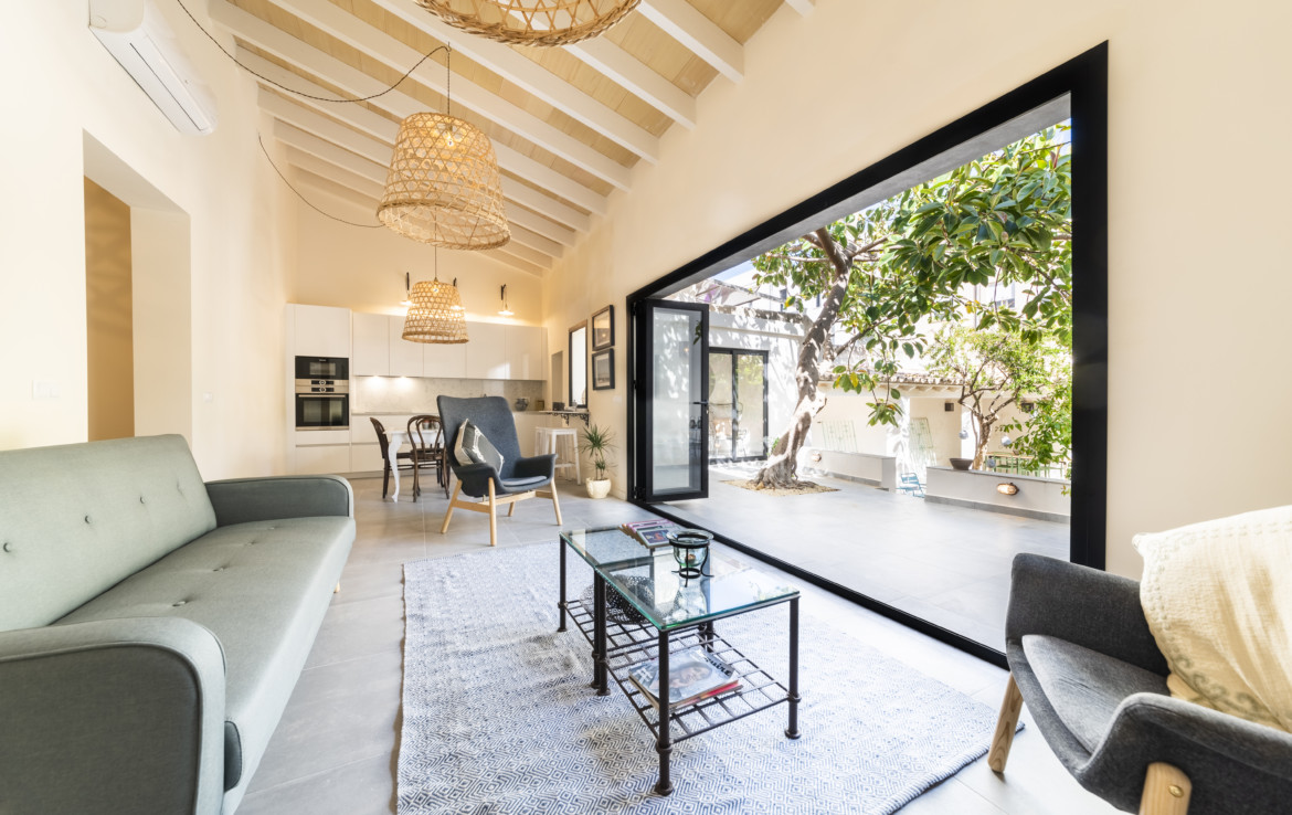 A rare opportunity to acquire an impressive town house in Palma de Mallorca, private and tranquil