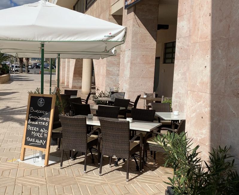 Traspaso: Bar restaurante primera línea en Palma – Portixol