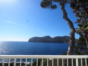 Rent: Frontline villa in Camp de Mar Majorca with stunning sea views and direct sea access